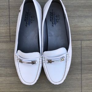 Life Stride Vanity White slip on loafer Size 10